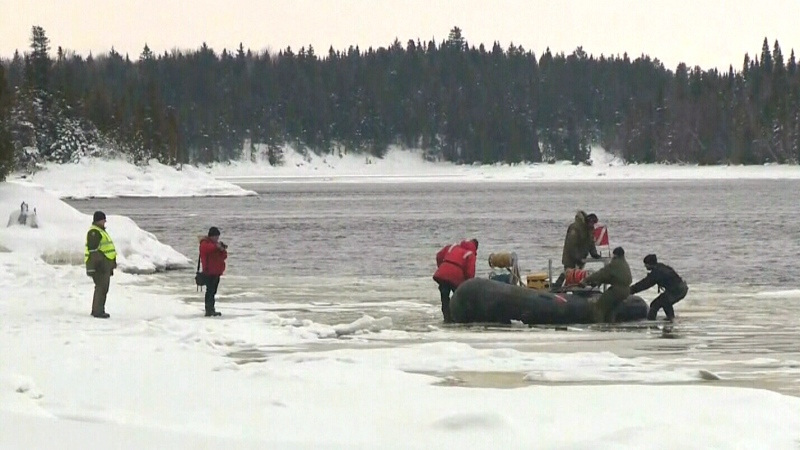 Those searching Lac Saint-Jean will fight the elements today and expand the search area to find the missing snowmobilers who went through the ice.