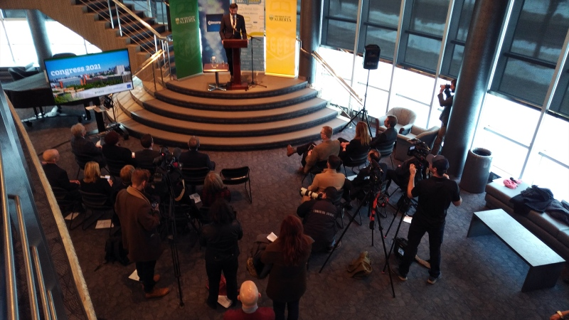 Mayor Don Iveson makes an announcement at the University of Alberta. (Amanda Anderson/CTV News Edmonton)