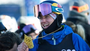 Canada's Mark McMorris holds his gold medal after winning the men's slopestyle at the X Games at Buttermilk on Saturday, Jan. 26, 2019, in Aspen, Colo. (THE CANADIAN PRESS/AP, Anna Stonehouse/The Aspen Times)