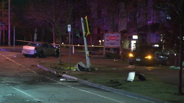 2 sent to hospital after car crash in Surrey