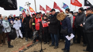 Unifor says the union and the Co-op Refinery will return to the bargaining table on Monday (Creeson Agecoutay / CTV News Regina)