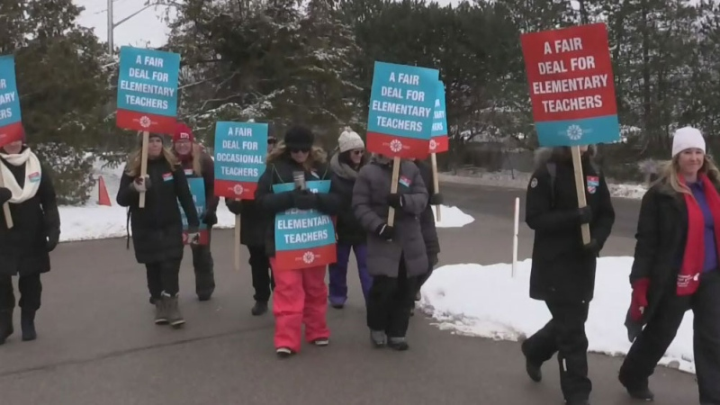 Elementary teachers strike