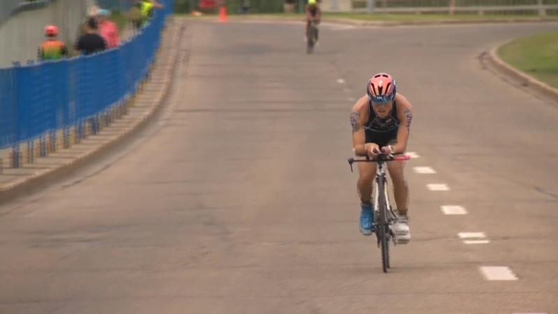 triathlon, cyclist