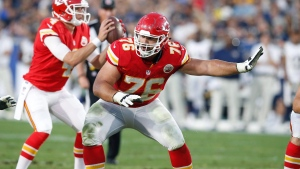 Kansas City Chiefs offensive guard Laurent Duvernay-Tardif (76) blocks during a preseason NFL football game against the Los Angeles Rams in Los Angeles Aug. 20, 2016. (THE CANADIAN PRESS/AP, Rick Scuteri)