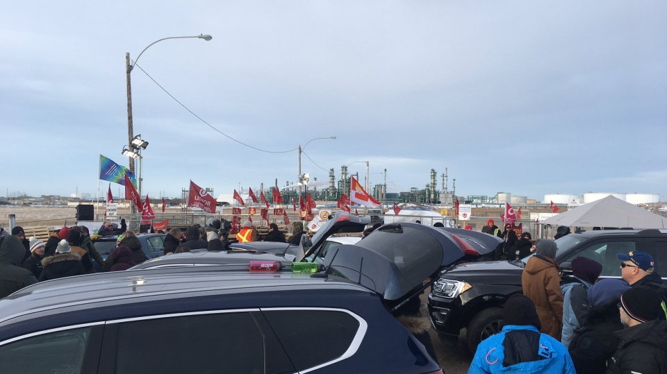 Cars and fences were back blocking gate 7 of the Co-op Refinery Complex, after negotiations broke down between Unifor and Co-op. (Cole Davenport/CTV News)