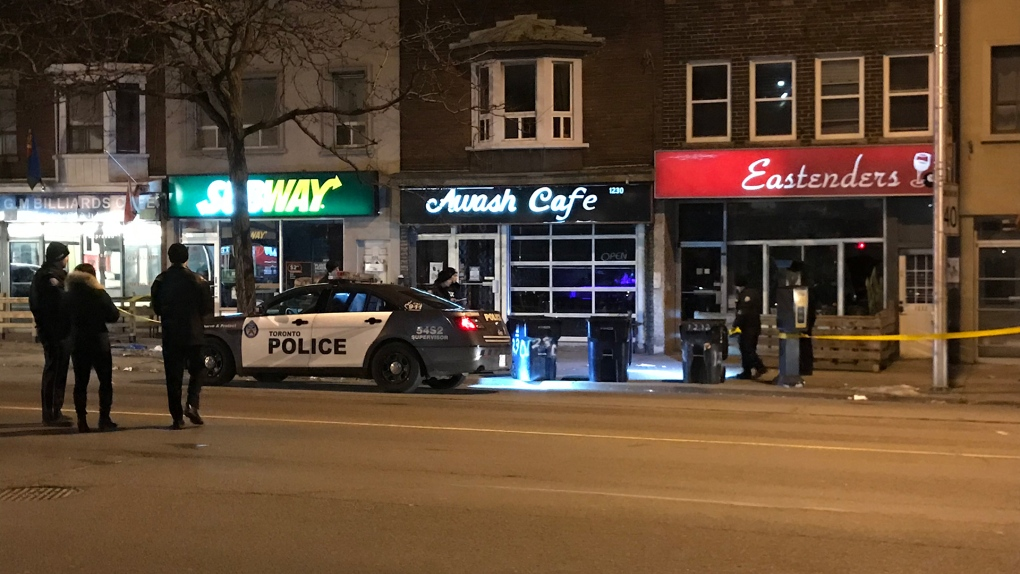 Man dead after early morning shooting outside bar in Toronto