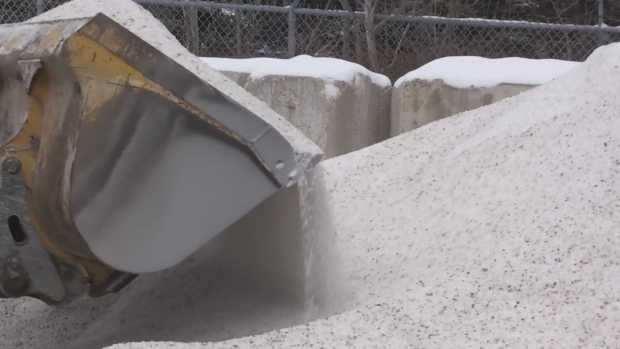 City crews deal with fluctuating winter weather