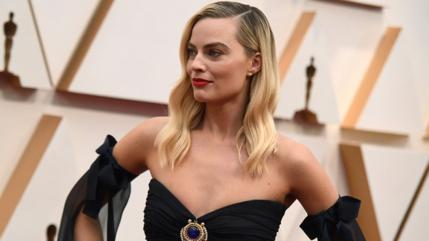 Margot Robbie arrives at the Oscars on Sunday, Feb. 9, 2020, at the Dolby Theatre in Los Angeles. (Photo by Richard Shotwell/Invision/AP) <br> <br> <b>Gallery sponsored by Wonder Bread</b>