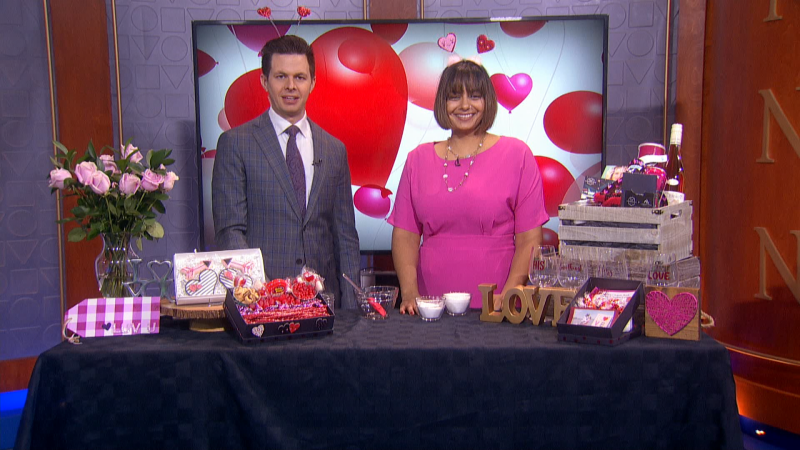 Kiki Lally from Pinnovate is here with valentine's gift ideas involving the kids