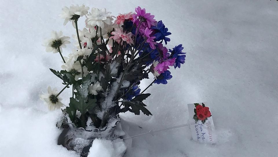 Bowness, Blommaert, death, bouquet