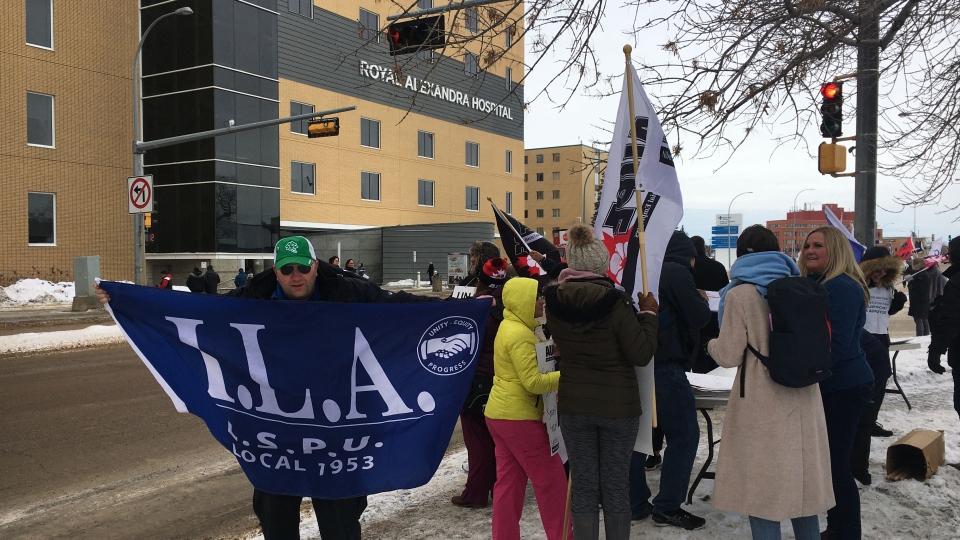 UNA rally at the Royal Alexandra Hospital