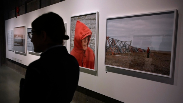 Local artists' work on display at Canadian War Museum