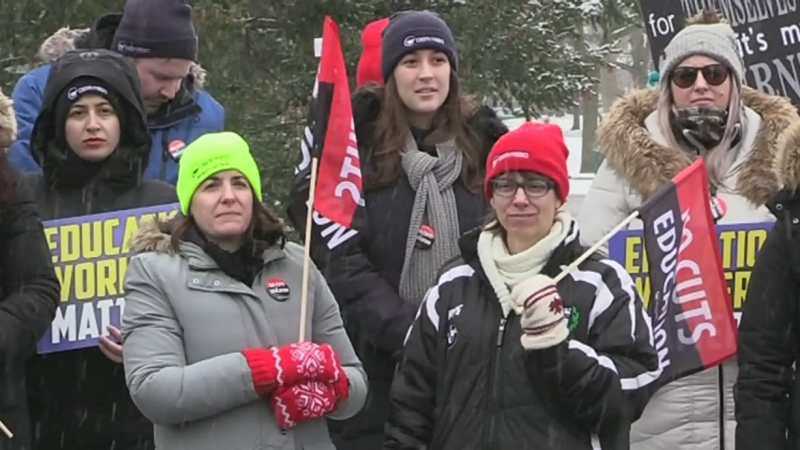 Bischof joins Windsor picket lines