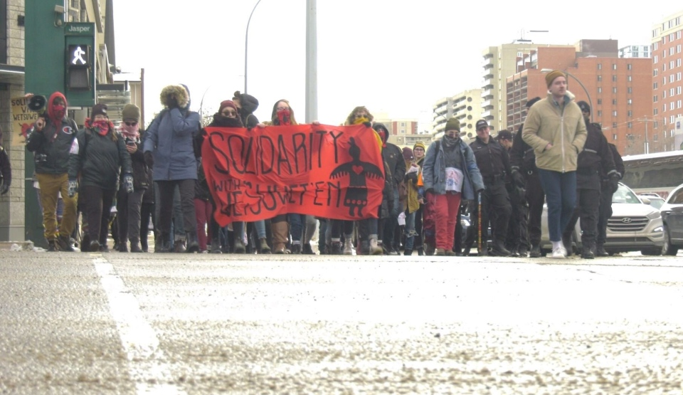 Protesters gather to show support for the Wet'suwet'en First Nation on Feb. 14, 2020. (Jeremy Thompson/CTV News Edmonton)