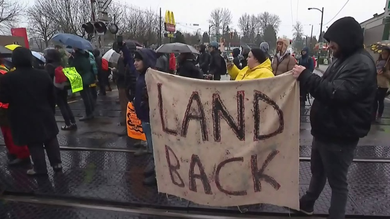 Protesters block Vancouver rail line