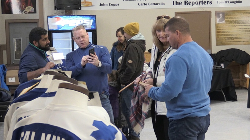 Passionate hockey fans and collectors have set up a temporary exhibit showcasing memorabilia from hockey players like Austin Matthew, Bobby Orr and Gordie Howe.