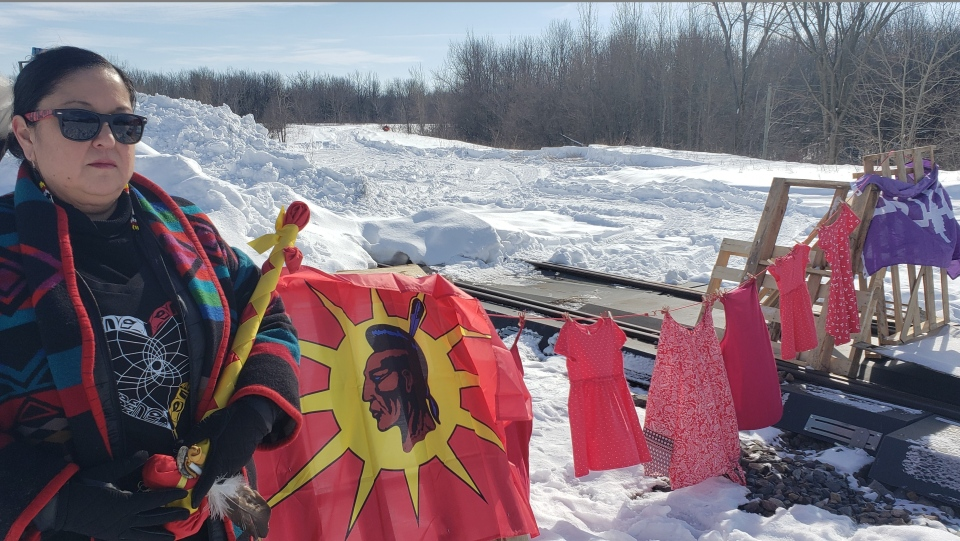 Protesters in Kahnawake on the train tracks