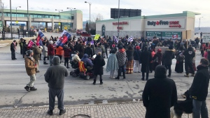 Hundreds of people blocked the Rainbow International Bridge in Niagara Falls on Feb. 16, 2020 in solidarity with the Wet'suwet'en Nation. (Mike Walker/CTV News Toronto)