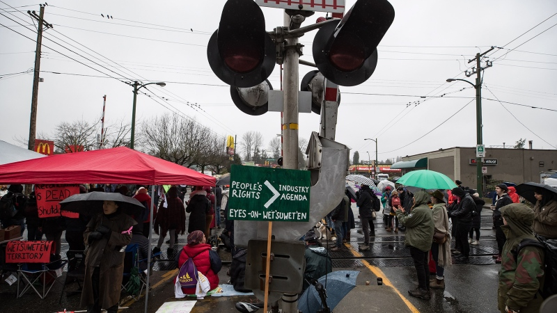 No agreement reached to lift rail blockades