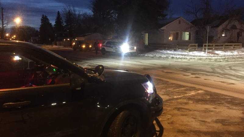 Police respond to a shooting in the 200 block of Avenue S North on Sat., Feb. 15. (Ryan Fletcher/CTV Saskatoon)