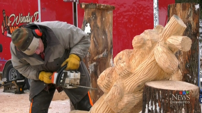 Making art sculptures using chainsaws