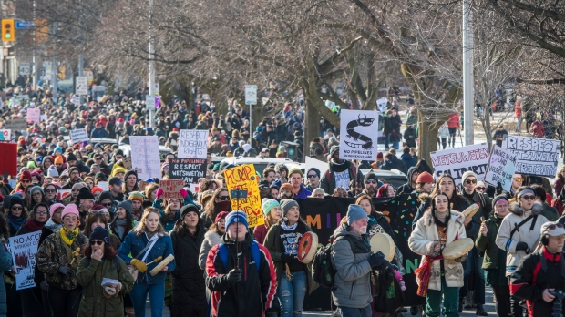 Wet'suwet'en: Nationwide rallies erupt through holiday weekend
