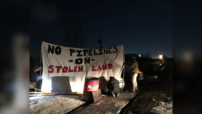 CN rail blockade west of Edmonton, in support of Wet'suwet'en hereditary chiefs. (Photo courtesy: Cuzzins for Wet'suwet'en)