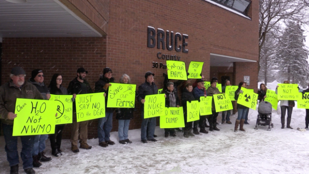 """""""Nuclear tanks, no thanks,"""" say Bruce County protesters"""