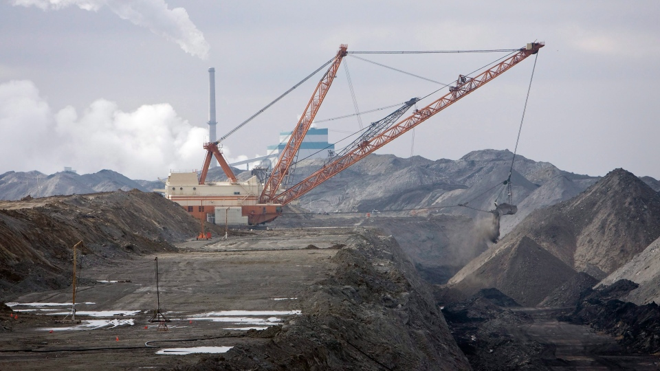 A dragline works in coal pits in front of the SaskPower Shand Power Station on Tuesday, March 19, 2008 south of Estevan, Saskatchewan. THE CANADIAN PRESS/Troy Fleece (File image)