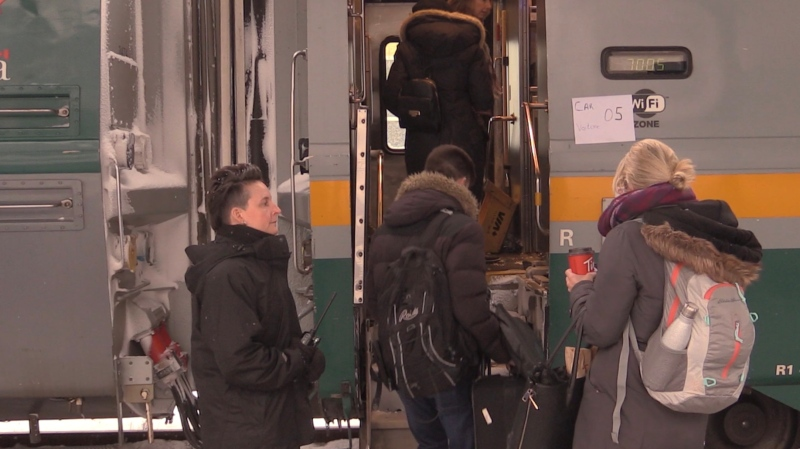 Passengers board Via Rail Train in London (February 20, 2018/Gerry Dewan CTV News)