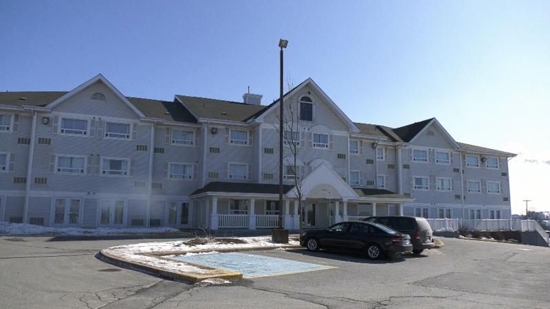 Families evacuate Dartmouth hotel