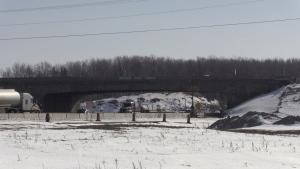 The Lloydtown-Aurora Rd. overpass on Highway 400. (David Sullivan/CTV News)