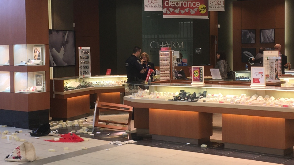 Robbery at jewelry store at Sault's Station Mall