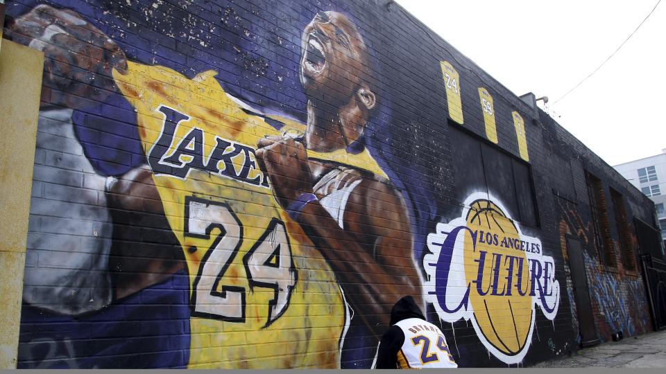 kobe bryant mural
