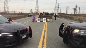 A blockade on Hwy. 6 outside Caledonia has been set up in solidarity with the Wet'Suwet'en chiefs. (Photo: Natalie Van Rooy/CTV Kitchener) (Feb. 24, 2020)