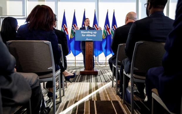 Kenney to bring in stiff penalties against railway blockaders as Alberta legislature resumes