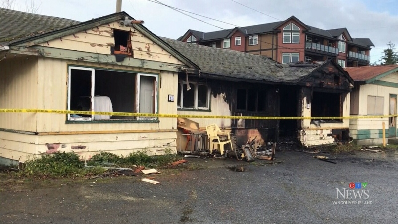 Mid-island residents displaced following 2 fires
