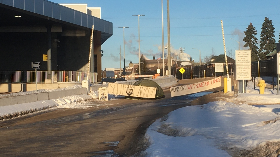 Blockade set up at the main entrance to Sault Ste. Marie's International Bridge. Feb. 25/20 (Jairus Patterson/CTV Northern Ontario)