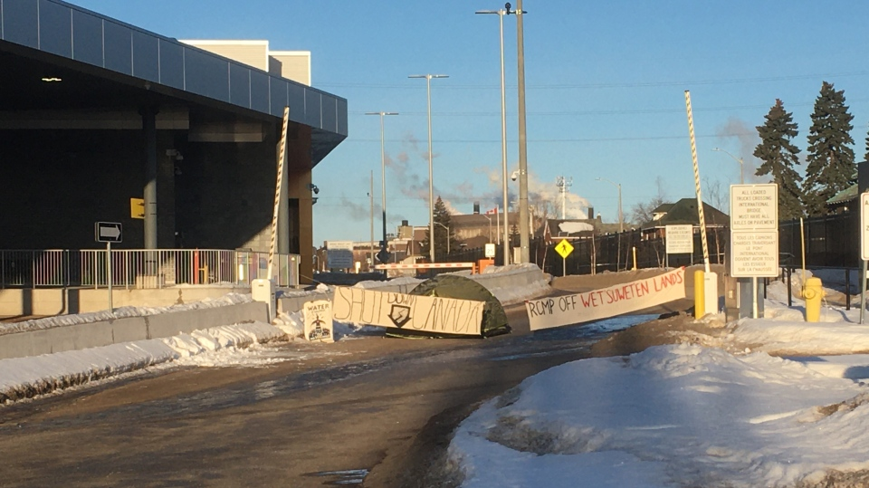 Blockade set up at Sault's international bridge