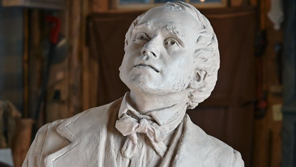 Charles Darwin sculpture