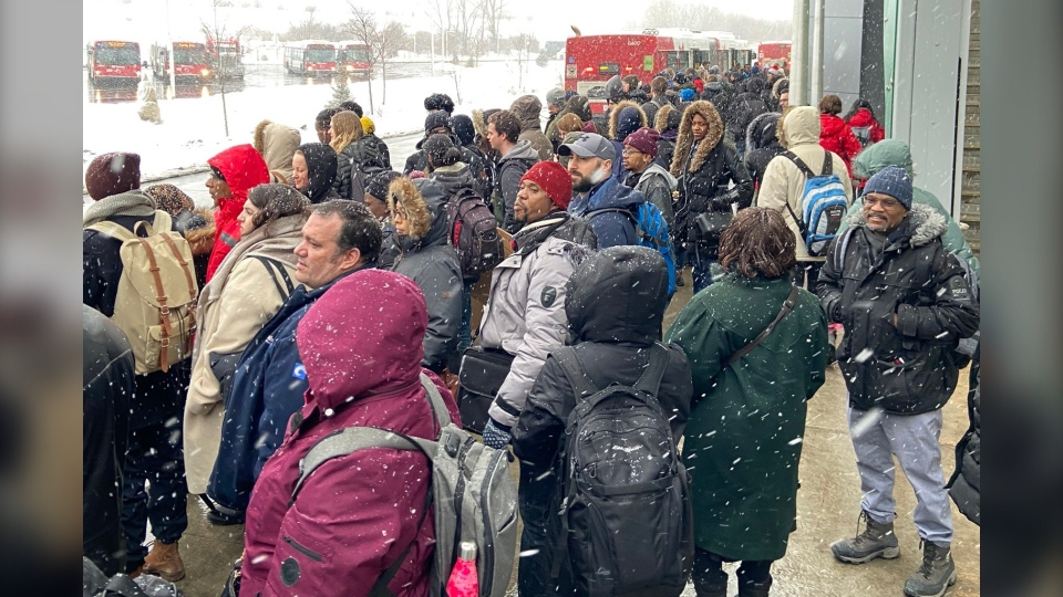 Passengers at Hurdman Station wait for R1 buses after OC Transpo shut down the Confederation Line following a power component coming loose near St. Laurent. (Photo courtesy of Sara Cimetta / Twitter)