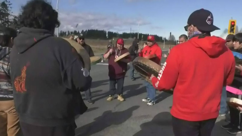 Protests shut down highway near Victoria