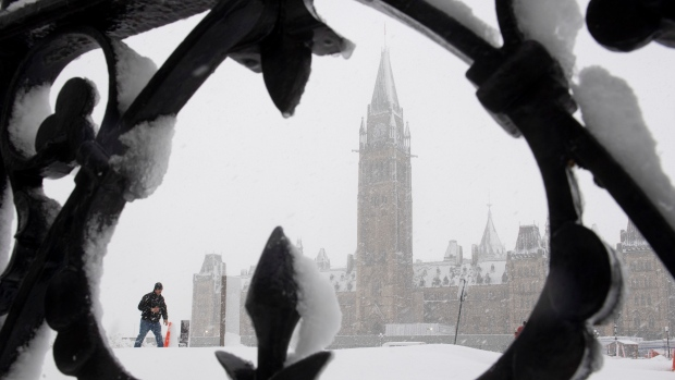 Mild spring for Ottawa after record-breaking snowstorm: Phillips