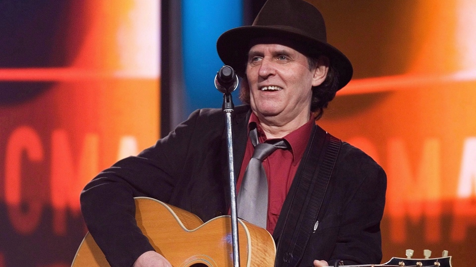 Ron Hynes performs at the dress rehearsal at the East Coast Music Awards Sunday, March 1, 2009 in Corner Brook, N.L.  (THE CANADIAN PRESS/Jacques Boissinot)