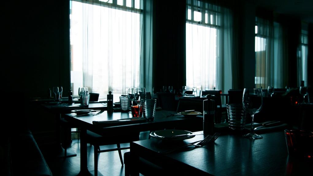 Empty restaurant, restaurant closed
