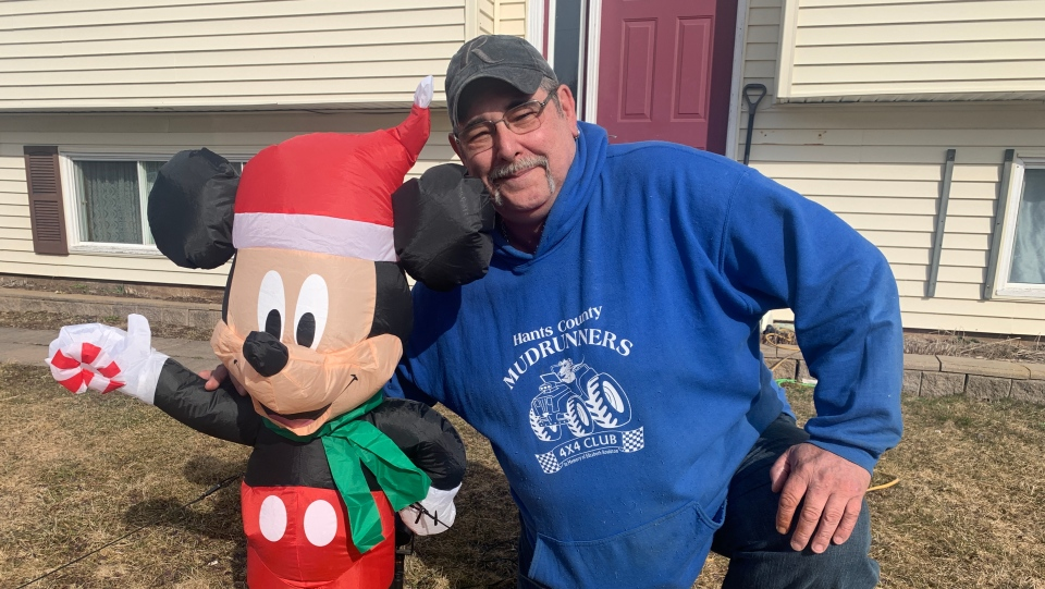 Robert Richardson reached out to his community through social media Wednesday, asking the people of Elmsdale, N.S. to break out their Christmas lights, even if it's almost spring.