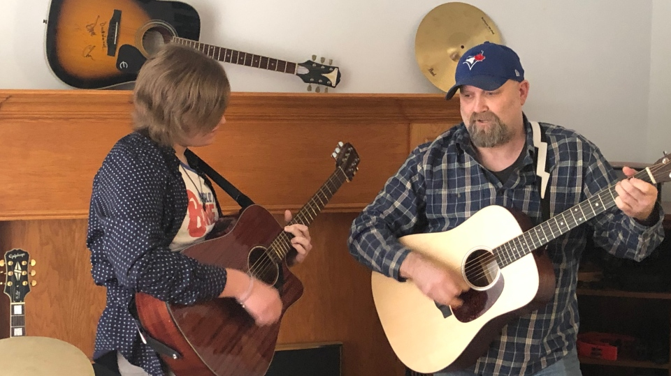 Capreol man sings about toilet paper run
