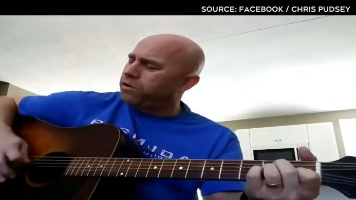 Facebook page draws professional entertainers