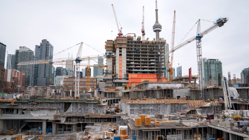 A construction site in full swing in Toronto on Wednesday March 18, 2020. THE CANADIAN PRESS/Frank Gunn