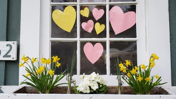 'Hearts in the window' movement spreads warmth, reassurance in the time of COVID-19